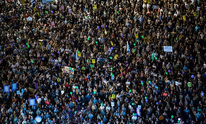 rally-huge-crowd_featured